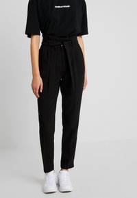 ONLY - ONLYARROW BELT PANT - Stoffhose - black - 0