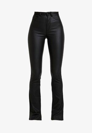 ONLROYAL SWEET FLARED COATED - Pantalon classique - black