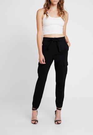 ONLPOPTRASH CARGO BELT PANT  - Pantalones cargo - black