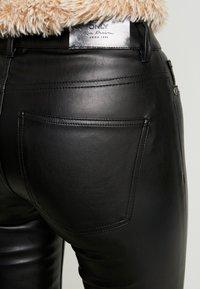 ONLY - ONLANNE  - Pantalon classique - black - 6
