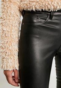 ONLY - ONLANNE  - Pantalon classique - black - 4
