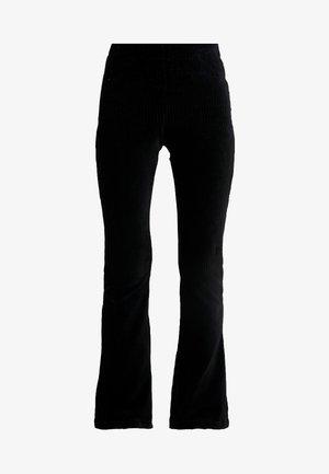 ONLFENJA FLARED PANT - Bukser - black