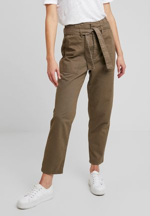 ONLZAFIR PANT - Trousers - forest night