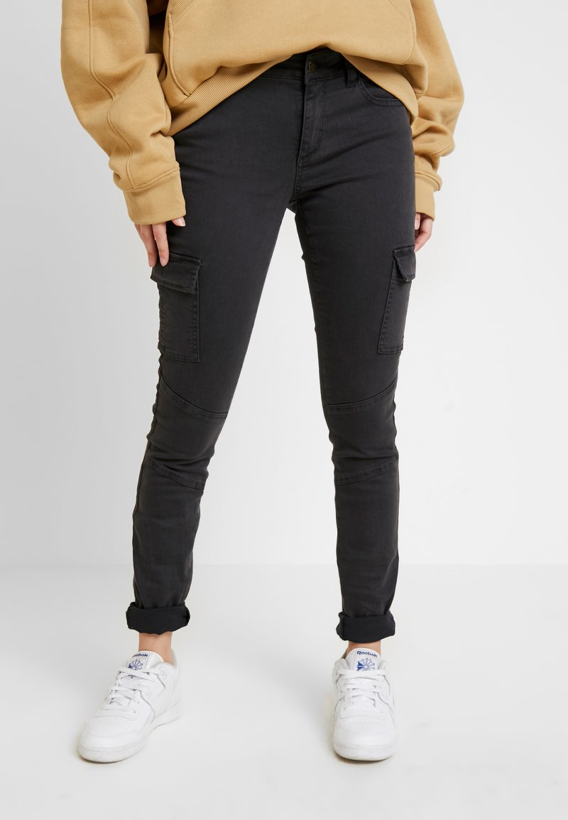 ONLY - ONLCECE CARGO PANT - Slim fit jeans - phantom