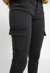 ONLY - ONLCECE CARGO PANT - Slim fit jeans - phantom - 3