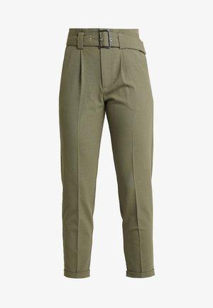 ONLROSIE BELT PANT - Spodnie materiałowe - kalamata