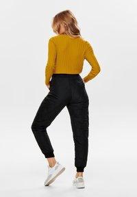 ONLY - Pantalones - black - 2