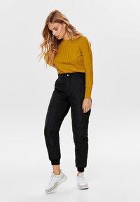 ONLY - Pantalones - black - 1