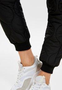 ONLY - Pantalones - black - 3
