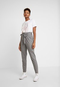 ONLY - ONLPOPTRASH EASY PAPERBAG PANT - Pantalones - medium grey melange - 2