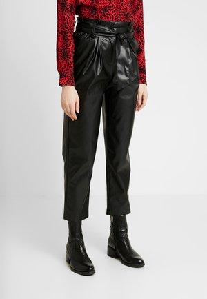 ONLGAIA VIOLA PABERBAG - Spodnie materiałowe - black