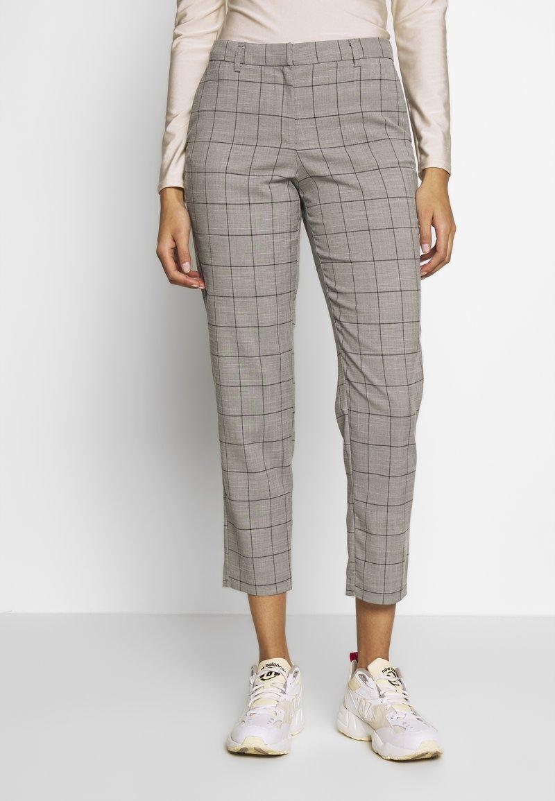ONLY - ONLSARAH CHECK PANT - Bukse - light grey melange/black