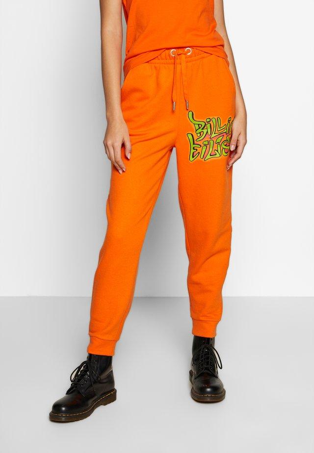 ONLBILLIE EILISH PANTS - Pantalones deportivos - puffins bill