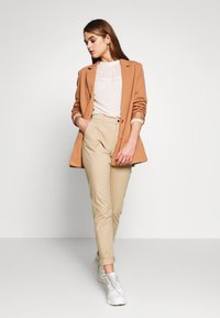 ONLY - ONLPARIS PANTS - Chinot - beige - 1