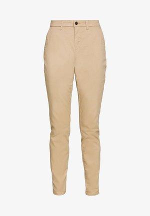 ONLPARIS PANTS - Chino kalhoty - beige