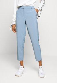 ONLY - ONLVILDA ASTRID CIGARETTE PANT - Pantaloni - faded denim - 0