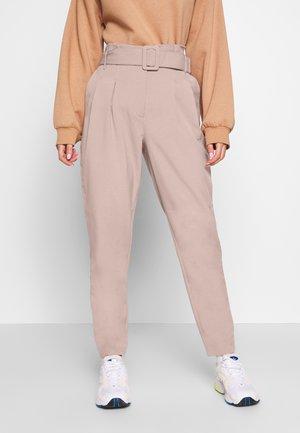 ONLSICA PAPERBAG PANTS - Kalhoty - burlwood
