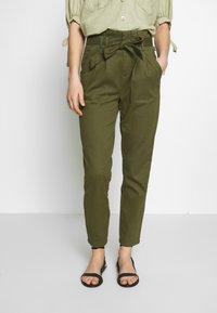 ONLY - ONLPIXI PAPERBACK PANT - Trousers - kalamata - 0