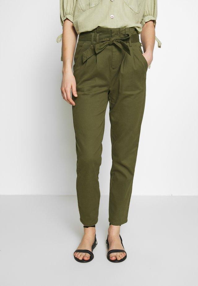 ONLPIXI PAPERBACK PANT - Pantalones - kalamata