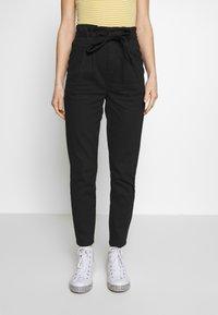 ONLY - ONLPIXI PAPERBACK PANT - Pantalon classique - black - 0