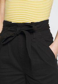 ONLY - ONLPIXI PAPERBACK PANT - Pantalon classique - black - 4