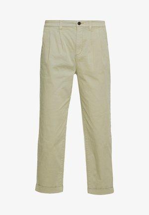 ONLCAROLINE CARROT PANT - Bukse - silver sage
