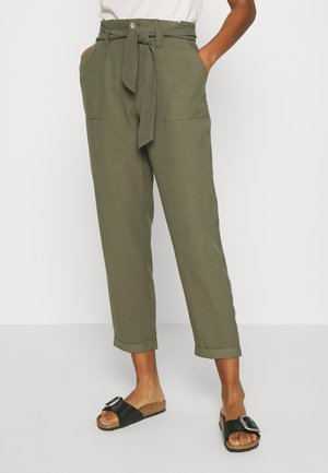 ONLLAUREN EMERY PANTS  - Trousers - grape leaf