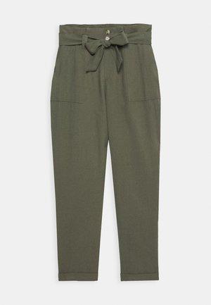 ONLLAUREN EMERY PANTS  - Spodnie materiałowe - grape leaf