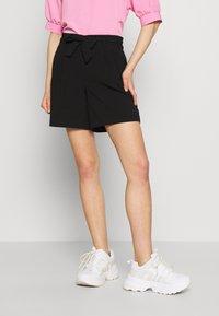 ONLY - ONLSAGE RUNA LIFE  STRIPE   - Shorts - black - 0