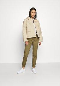 ONLY - ONLMAUDE BONACO CHINO PANT - Trousers - kalamata - 1