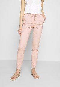 ONLY - ONLMAUDE BONACO CHINO PANT - Pantaloni - misty rose - 0