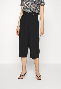 ONLY - ONLTHEIA JOURNEY LIFE CULOTTE - Trousers - black - 0