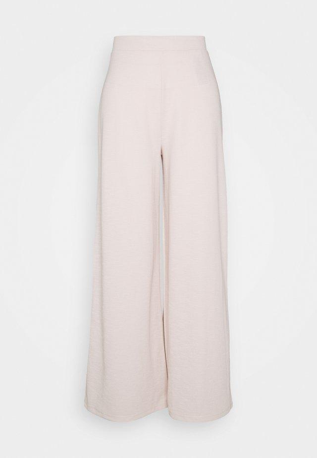 ONLLAYLA WIDE PANTS - Pantaloni - pumice stone