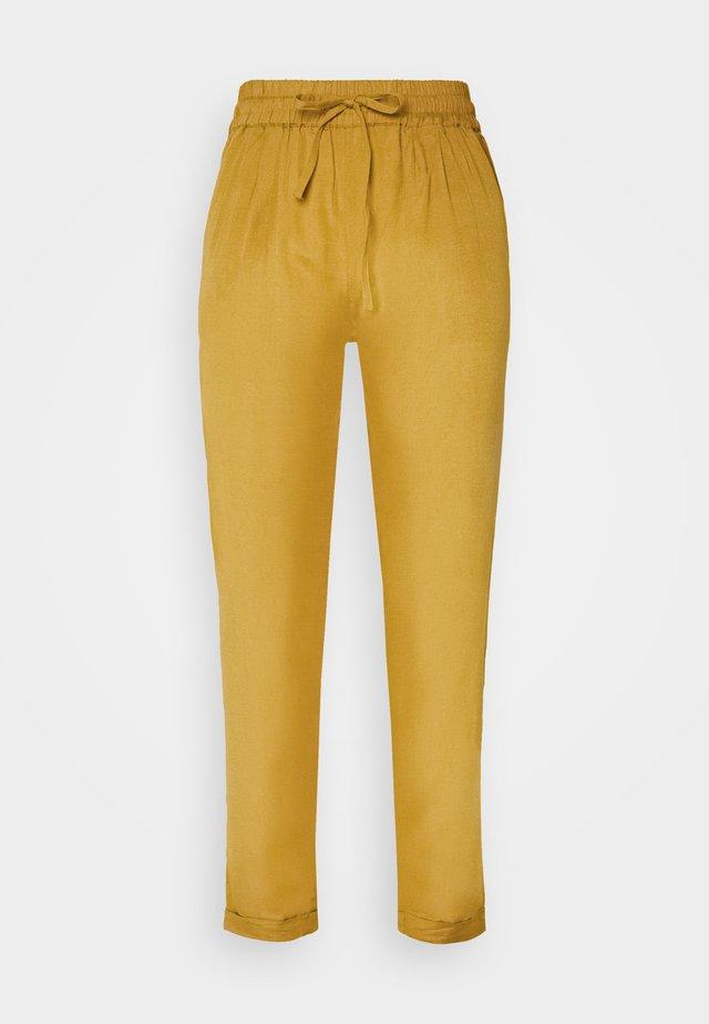 ONLVIVA LIFE PANT  - Pantalones - golden spice