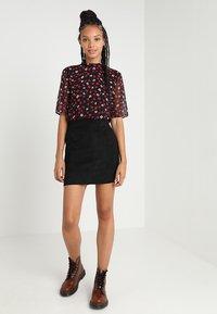 ONLY - ONLJULIE - Minifalda - black - 1