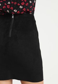 ONLY - ONLJULIE - Minifalda - black - 3