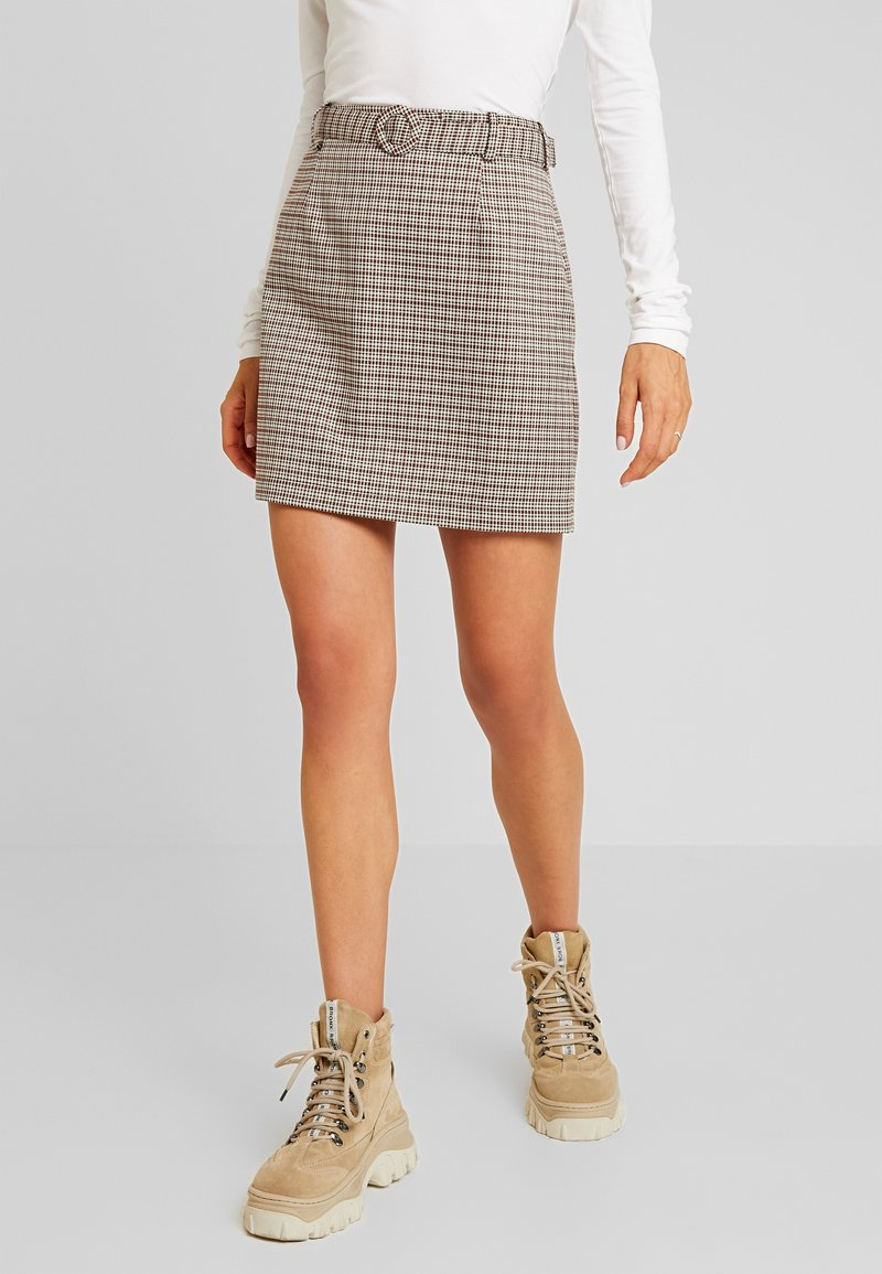 ONLY - ONLISAK SKATER SKIRT - Falda acampanada - decadent chocolate