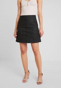 ONLY - ONLLISA SKIRT - Áčková sukně - black - 0