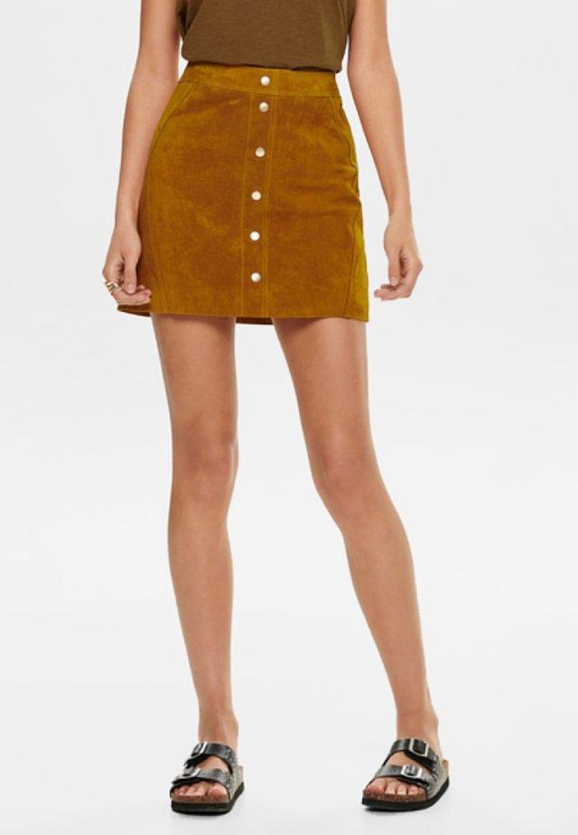 Falda de cuero - honey ginger