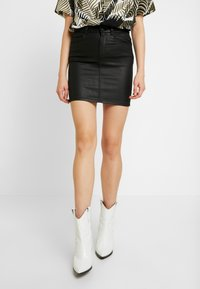 ONLY - ONLFIA COATED SKIRT - Minirok - black - 0