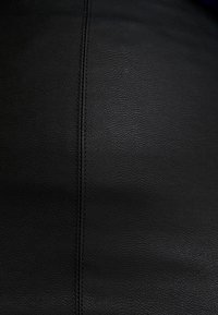 ONLY - ONLCELINA - Jupe crayon - black - 4