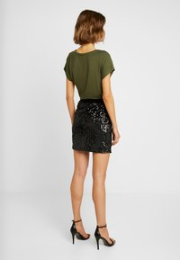 ONLY - ONLCONFIDENCE - Minifalda - black - 2