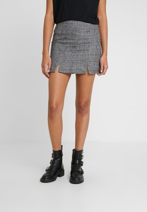 ONLIRIS AMALIA MINI  SKIRT - Falda de tubo - black/cloud dancer