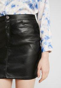 ONLY - ONLNORMA SKIRT - Minifalda - black - 5