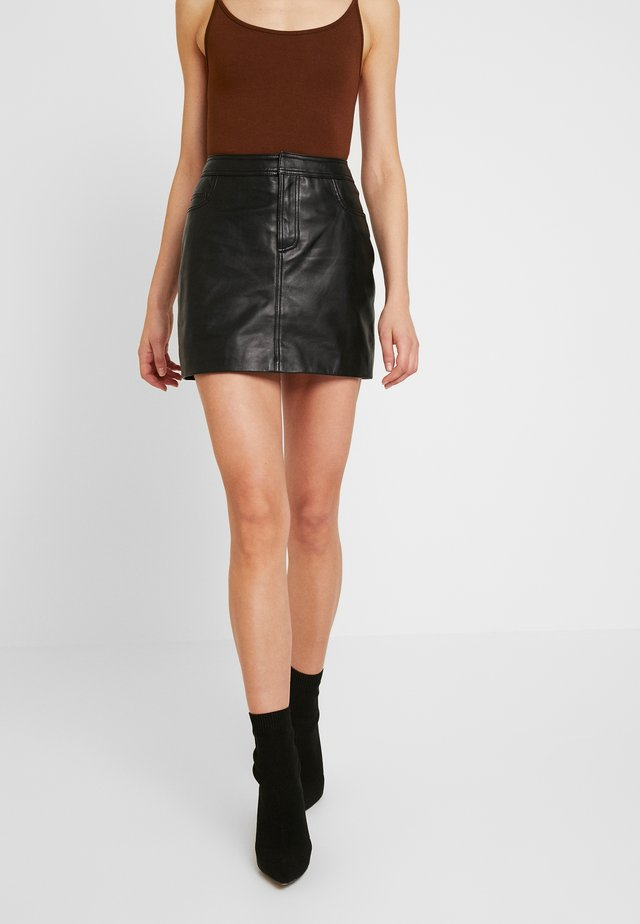 ONLLENA LEATHER SHORT SKIRT  - Gonna a tubino - black