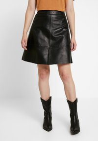 ONLY - ONLLENA LEATHER SKATER SKIRT  - A-linjainen hame - black - 0