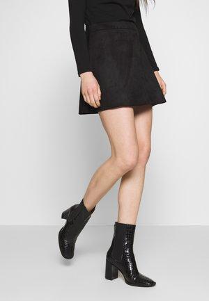 ONLLINEA BONDED SKIRT - Spódnica mini - black