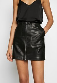 ONLY - ONLKYLIE MORGAN SKIRT - Mini skirt - black