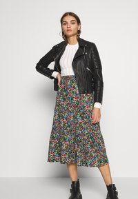 ONLY - ONLFLORAL LONG SKIRT - A-line skjørt - night sky - 1