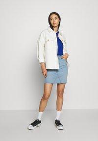ONLY - ONLFAN SKIRT RAW EDGE  - Denim skirt - light blue denim - 1